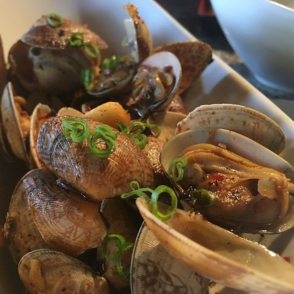 Steamed Clams @ Tokyo Bistro