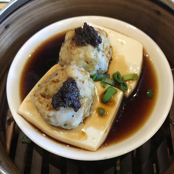 Steamed Tofu With Fish Cake 豉汁蒸釀豆腐