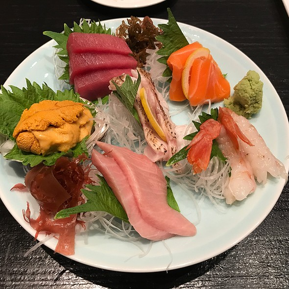 Deluxe Sashimi Platter @ Sushi Izakaya Shinn