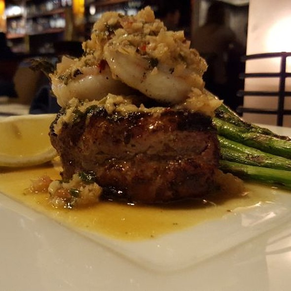Filet Mignon With Shrimp And Scampi Butter