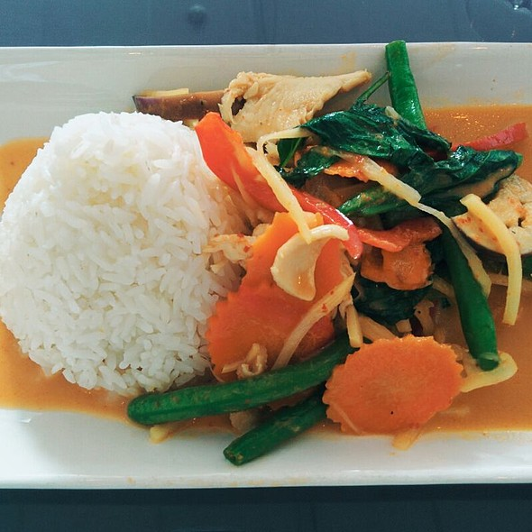 Red Curry with Chicken @ Map of Thailand