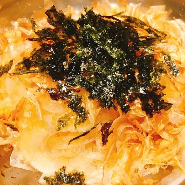 Sliced Onion Salad