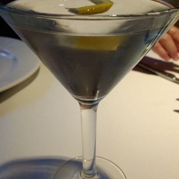 Tanqueray 10 Martini - Lemon Twist @ Ember