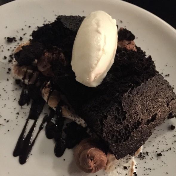 Cocoa & Marshmallow, Devil's Food Cake, Milk Gelato