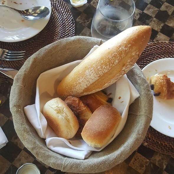 Bread Basket @ Le Bar - Sofitel Philippine Plaza - Manila