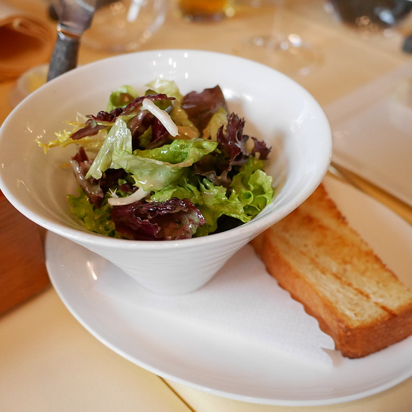 Salad and Brioche @ Le Moissonnier