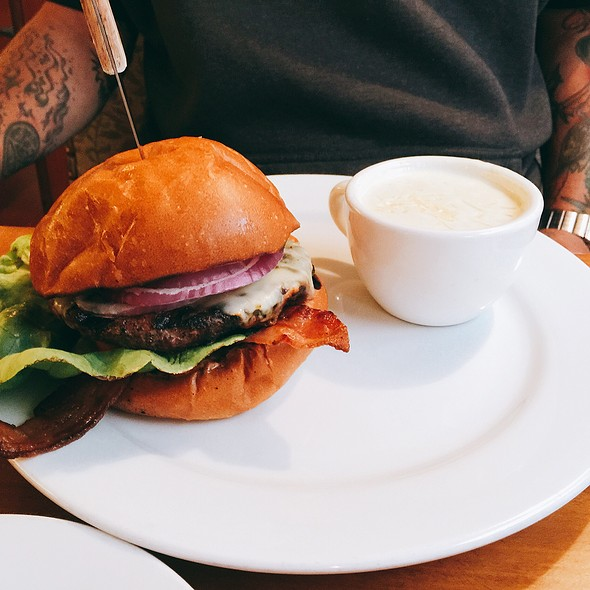 Specialty Burger @ Kupros Craft House
