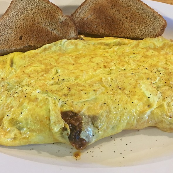 Chilli And Cheddar Omlette