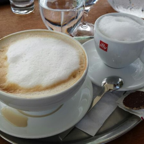 Cafe Latte & Cappuccino
