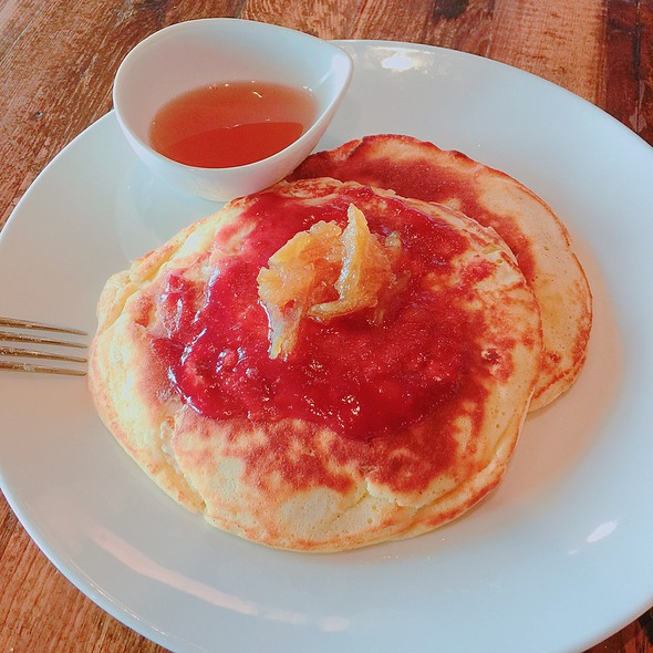ricotta pancakes @ Hawks Provisions And Public House