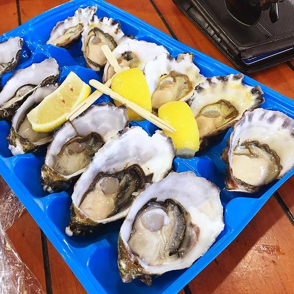 Fresh Oysters @ Sydney Fish Market