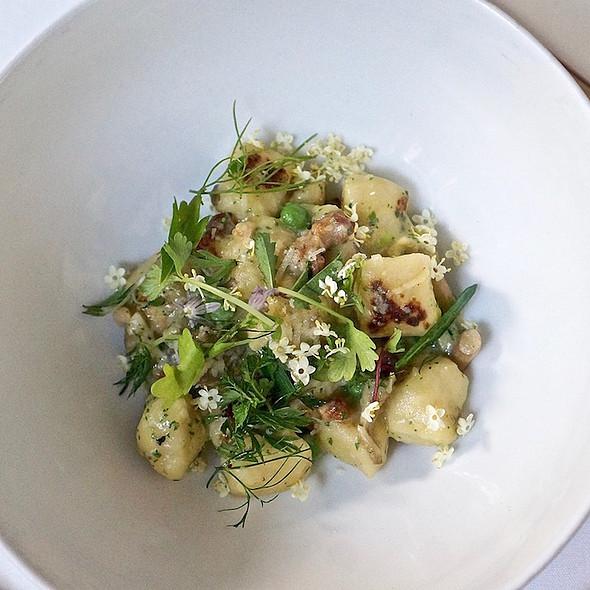 Russet potato gnocchi carbonara, pancetta, English peas, wild mushrooms, provolone picante