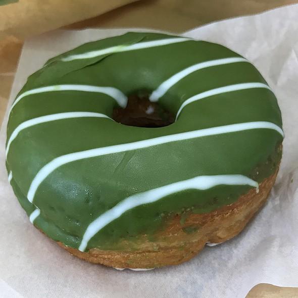 Matcha Donuts @ STARBUCKS COFFEE