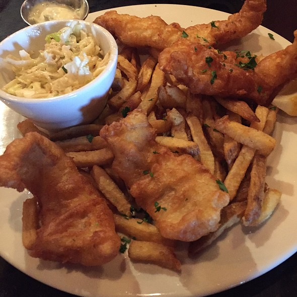fish fry @ Maxie's Southern Comfort