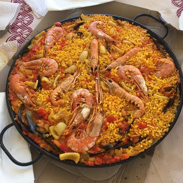 Paella De Marisco @ Rostisseria Segur 84