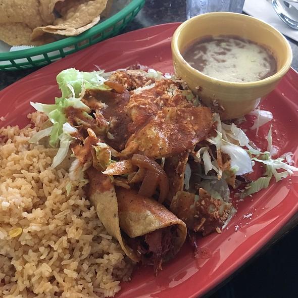 Chicken Flautas @ Roberto's Cantina