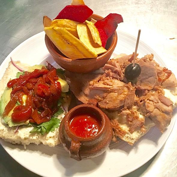 Sandwiche Cubano Con Chips