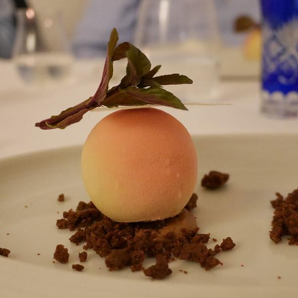Spanish Peach, White Chocolate, Yoghurt Ice Cream