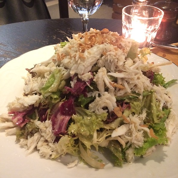 Crabmeat Salad With Peanut Sesame Dressing