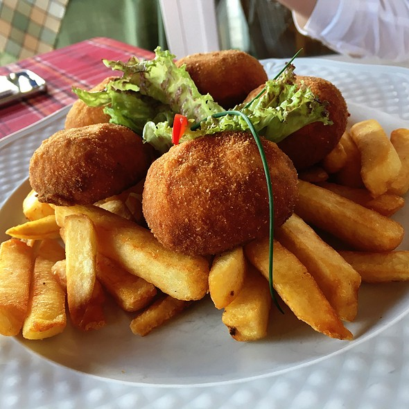 Stuffed Mushrooms And French Fries