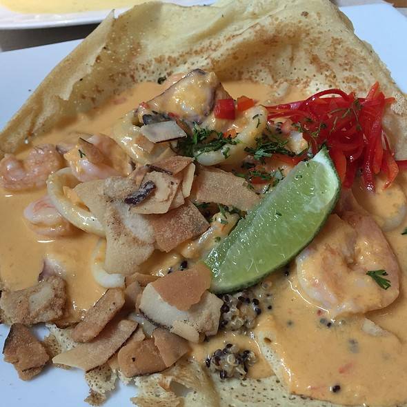 Crepe Mar Encocado @ Crepes & Waffles