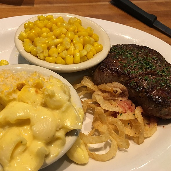 Sirlion Steak @ Cheddar's Casual Café