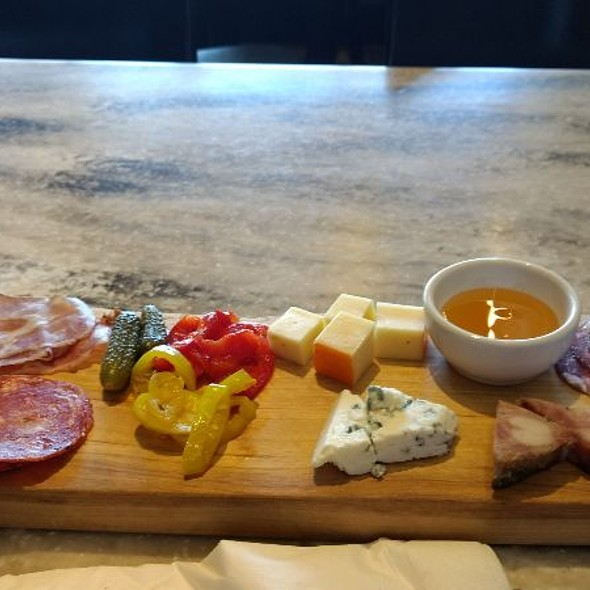 Cold Charcuterie Plate
