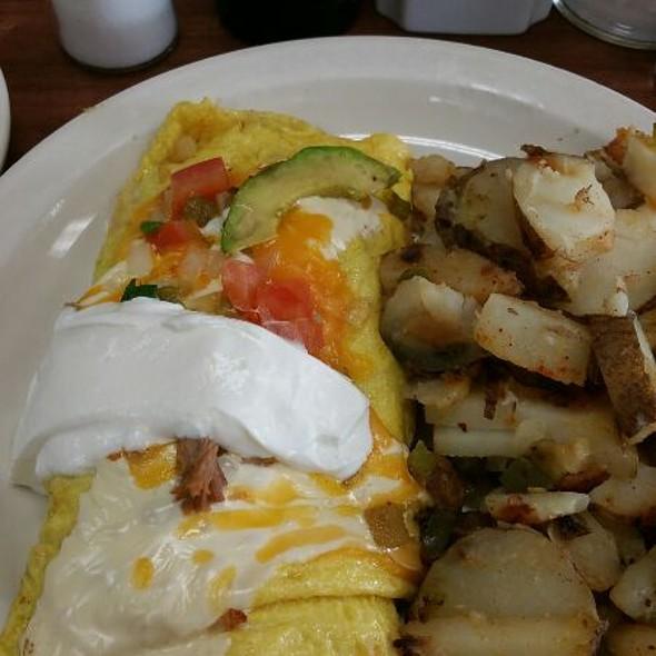 Shredded Pork Omelette @ Eggs N Things