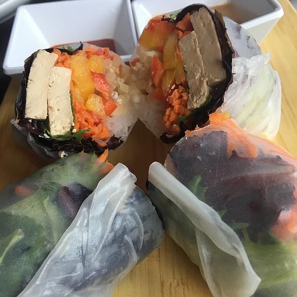 Veggie Tofu Fresh Spring Rolls