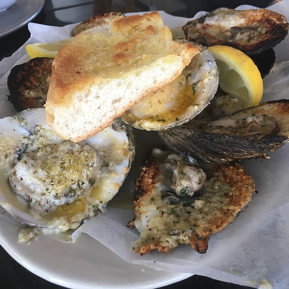 Chargrilled Oysters @ Full Moon Oyster Bar