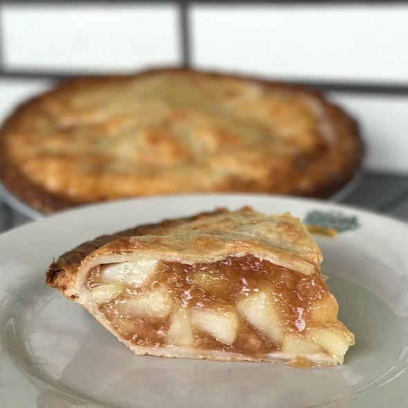 Apple Pie @ Goody Goody Burgers