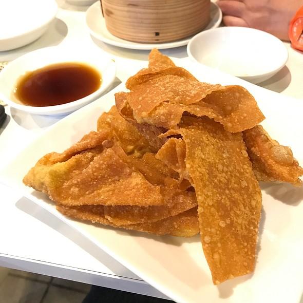 Fried Wonton (揚げワンタン) @ ウミガメ食堂