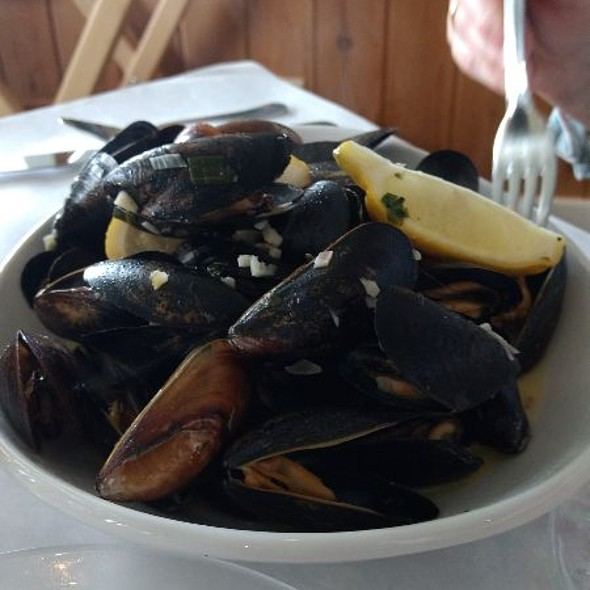 Steamed Mussels  @ Shore Acres Inn & Restaurant