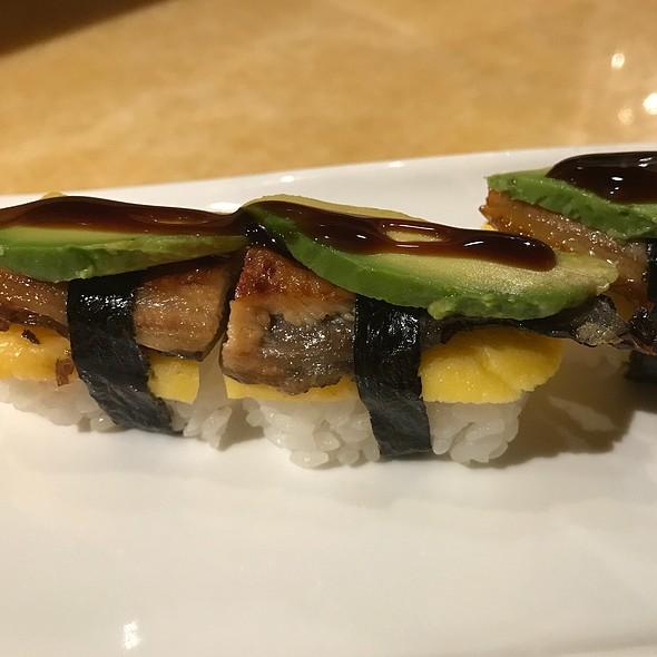 Unagi, Tamago, Avocado Sushi
