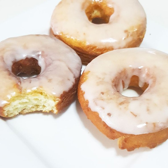 Sour Cream Donuts @ Dindi's Kitchen