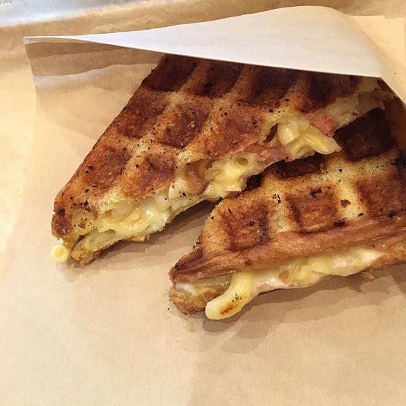 Bacon Mac&Cheese @ Sammy Barker's