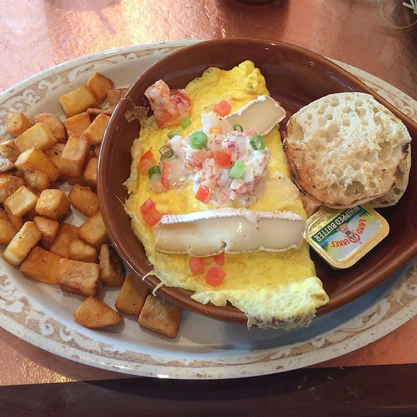 Brie And Lobster Omelette