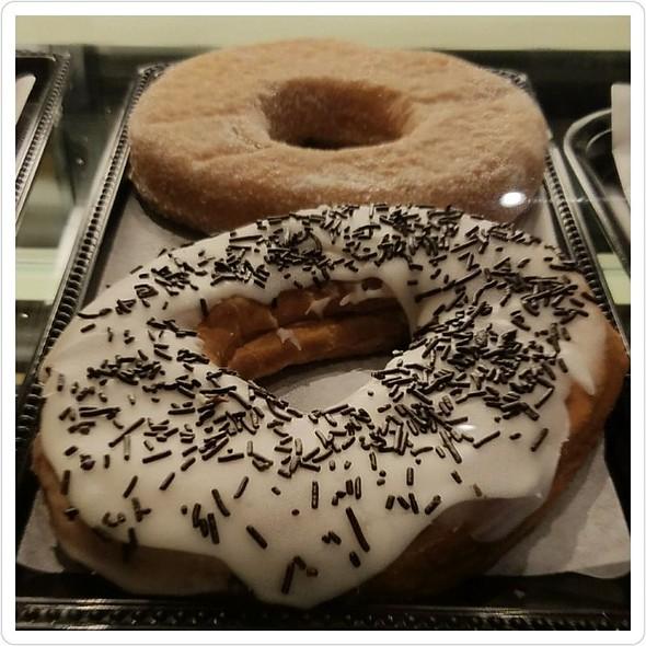 Donuts @ Caffe Bottega