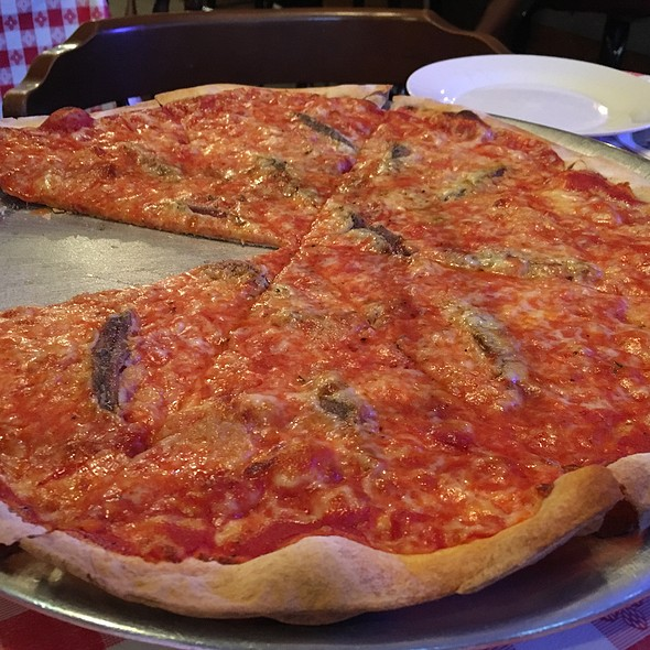 Anchovy Pizza @ Nancy's Towne House