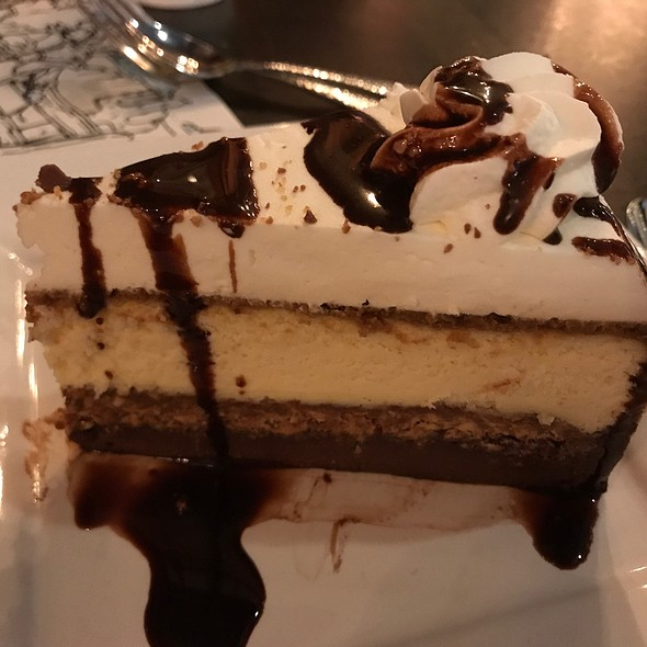 Sneakers Cheesecake @ Taste of Texas