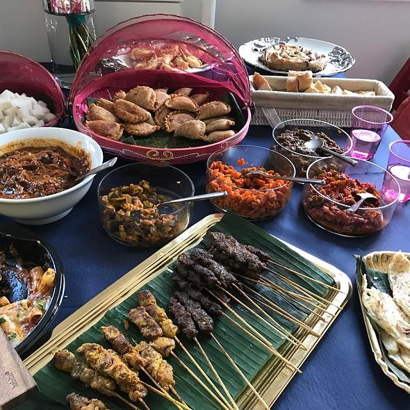 Raya Food