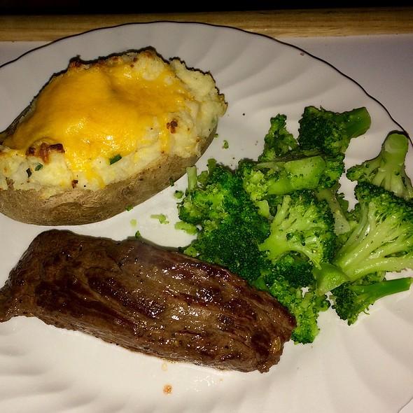Steak With Twice Baked Potato And Broccoli