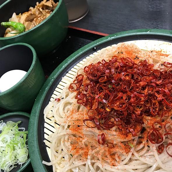 ミニ豚バラ丼 W/ 生たまご