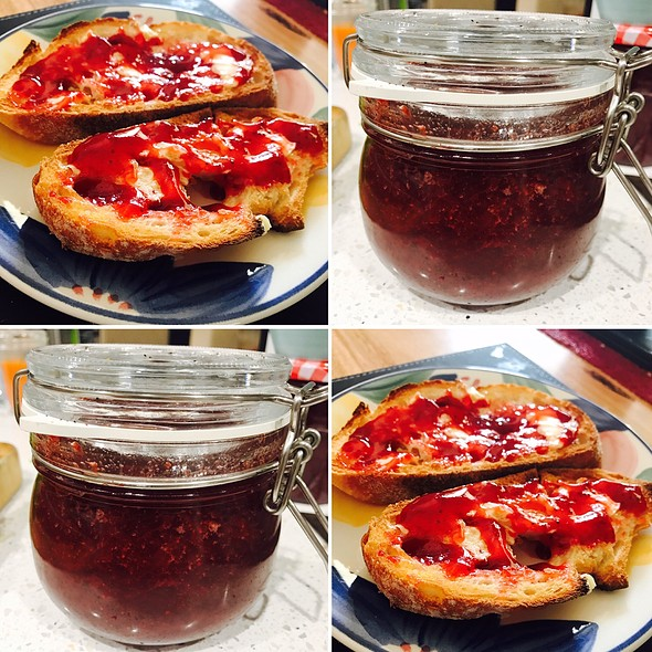 Strawberry And Vanilla Jam @ Chookys