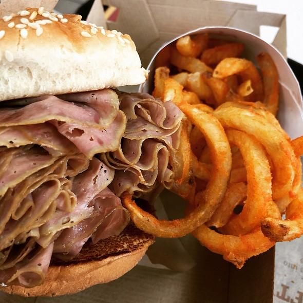 Half Pound Roast Beef Sandwich