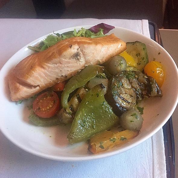 Mediterranean salad, smoky tomato dressing, warm seared Scottish salmon fillet