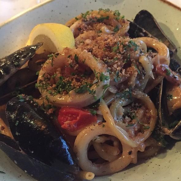 Seafood Buccatini