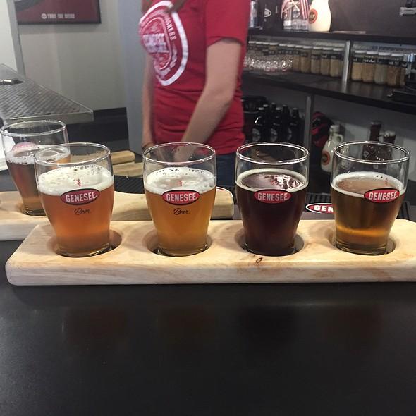 Flight - Brewhouse Double Rye Bock , Scotch Ale, Rhino Rye, Test Batch Ipa # 8