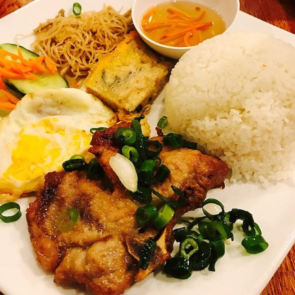 Porkchop With Broken Rice