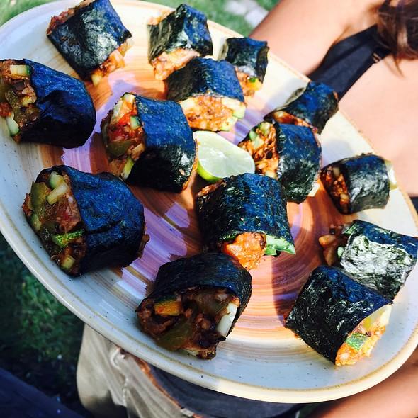 Fusion Dolma Sushi